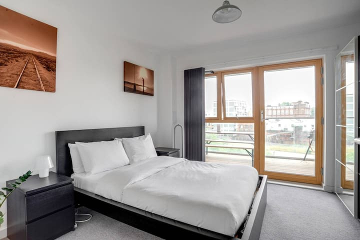 Stunning Shoreditch room 2 minutes from Brick Lane