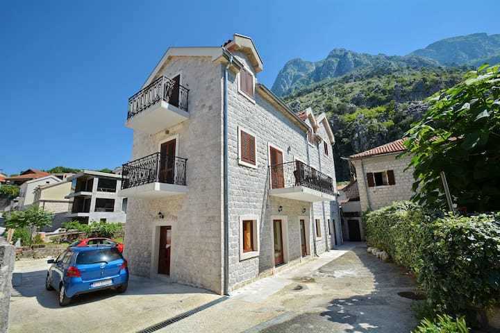 Apartman Ivanovic - Kotor