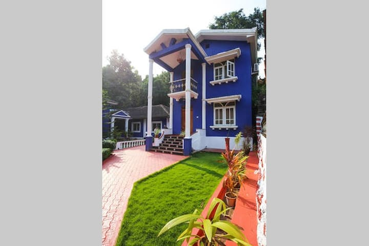 The Pereira's Goan Villa's A/C Airport Room - Vasco da Gama - Villa
