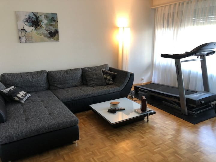Cosy 2.5 room apartment - at least 1 month stay