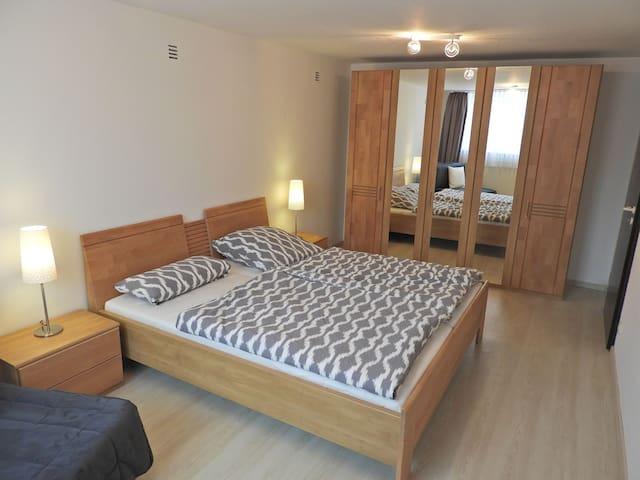 Schöne Ferienwohnung Schwanstetten - Schwanstetten - Apartment