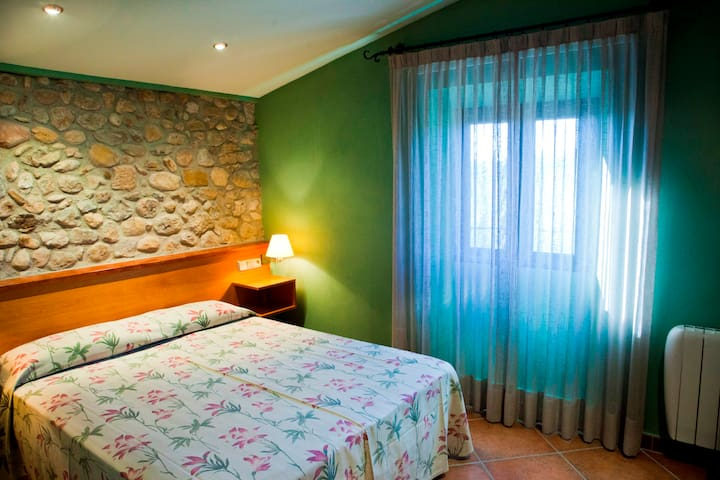 Bed and Breakfast, near Figueres, Dalí, relax,pool - Vilanant - Penzion (B&B)