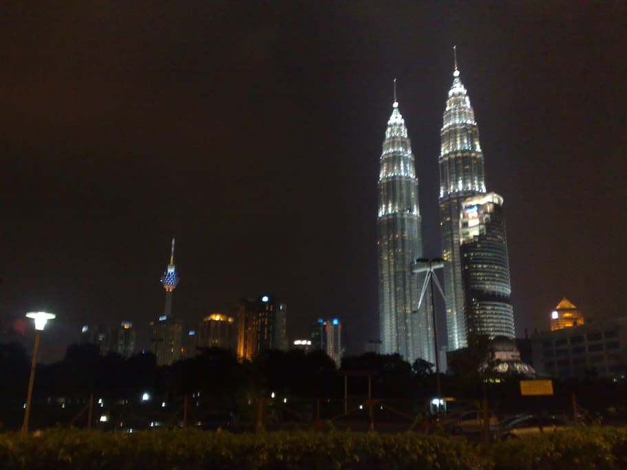 10 to 15 min to KLCC
