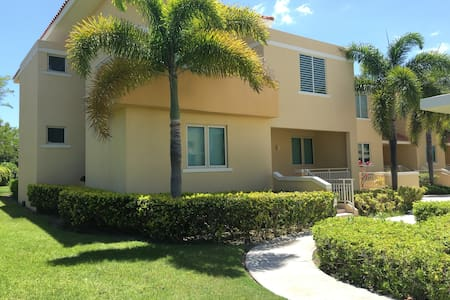 Entire house on the golf course! Great location. - Ponce