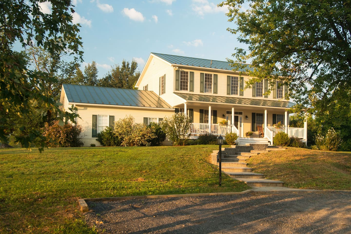 Welcome to the Hillbrook Farmhouse!