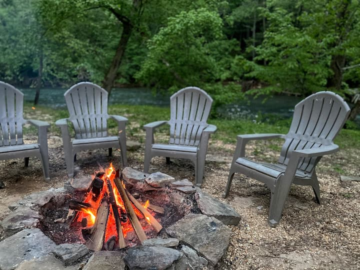 Relax & Unwind at the Chestatee River Retreat