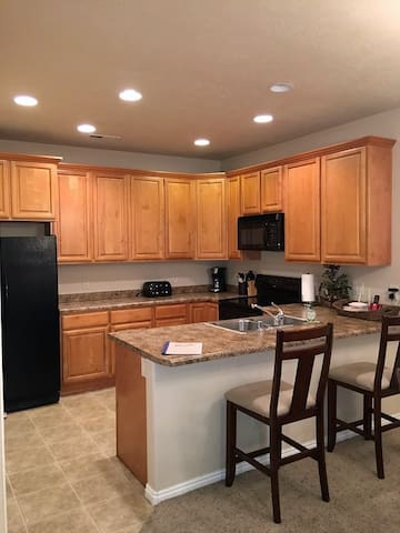 *NO GUEST SERVICE FEE* 3 Bedroom condo in Mesquite #370