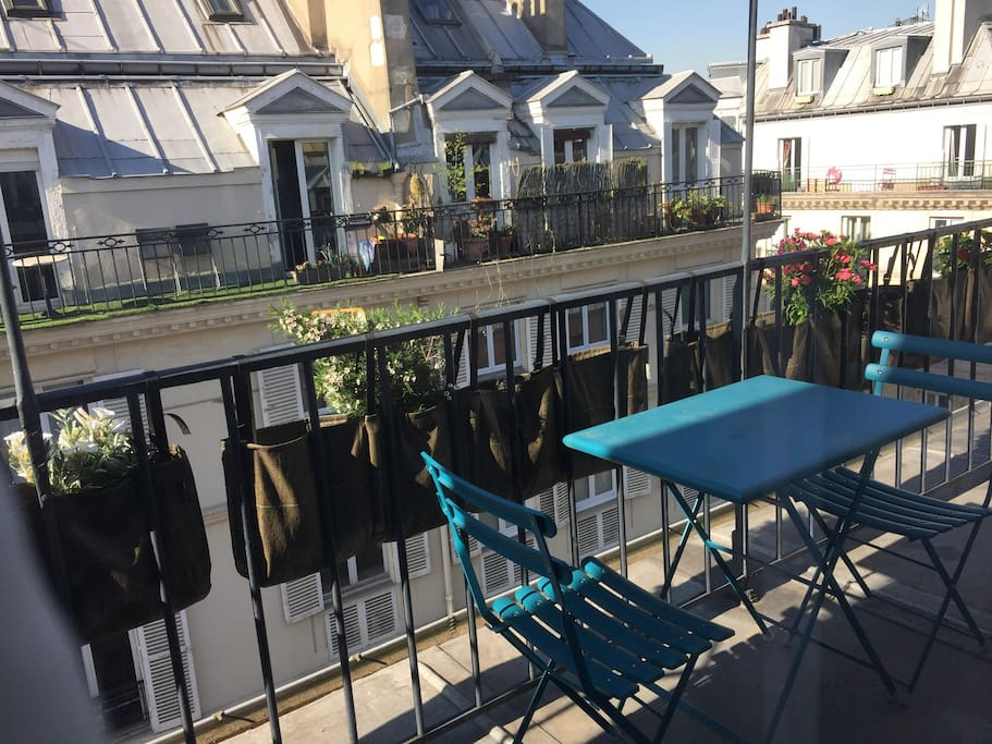 studio dans le marais avec terrasse appartements louer paris le de france france. Black Bedroom Furniture Sets. Home Design Ideas