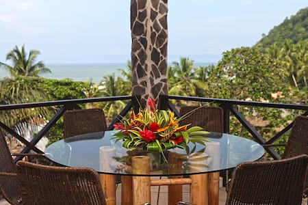 Ocean Front 3 bedroom condo in Jaco