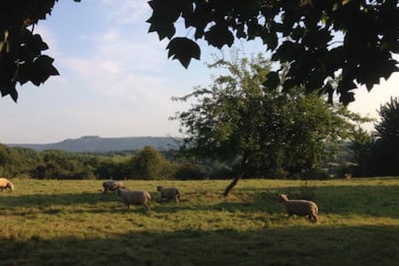 Rural peace and quiet with magnificent views - Pulborough