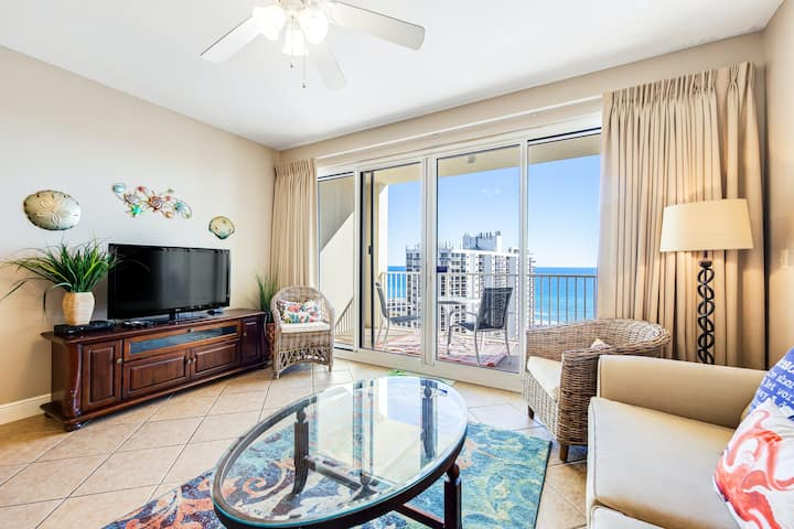 Well-appointed 15th-floor condo w/balcony, beach views, shared pool & tennis