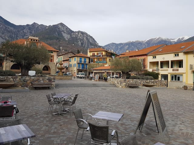 Village de Roquebilliére