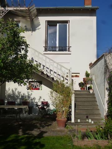 Appartement indépendant 35 m2 avec balcon