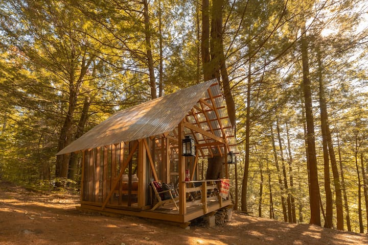 Tanglebloom Cabin | open-air woodland retreat