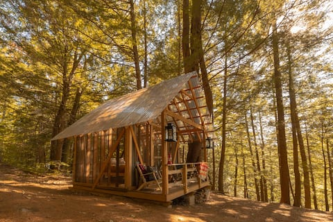 Tanglebloom Tiny Cabin | Glamping Experience