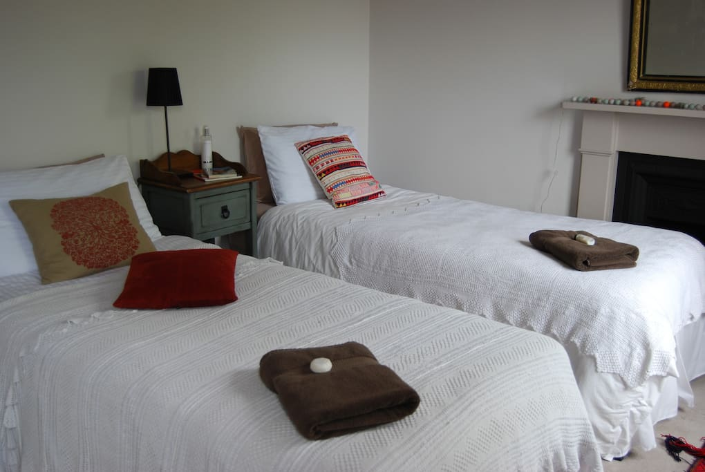 Note that the bedroom can be turned into a twin room - 2 single beds