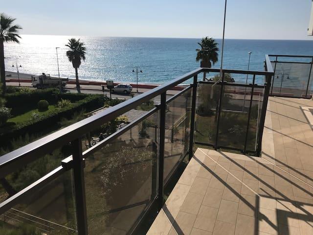 Magnifique appartement vue mer / 008065-LT-0168