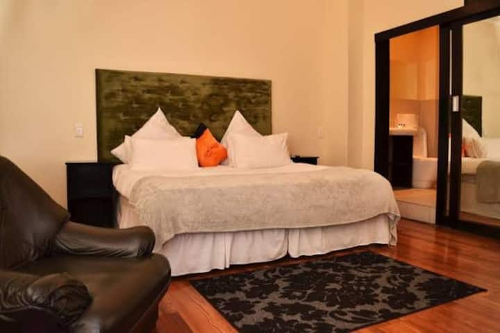 Kings Private Suite(City Centre)
