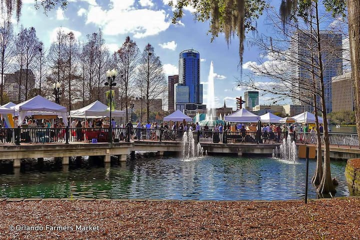 Every Sunday, Lake Eola Farmer's Market is the place to go for local goods, great food, and music.