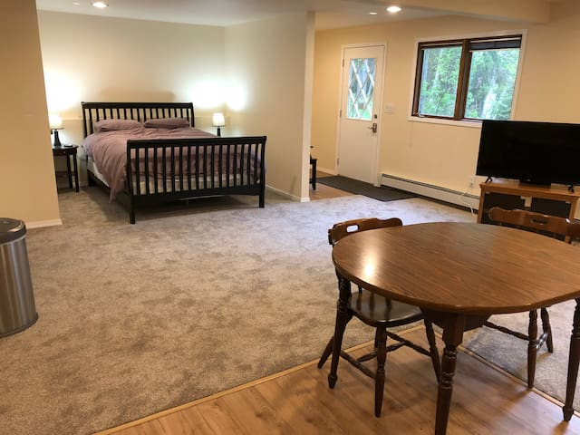 Queen bed and private entrance