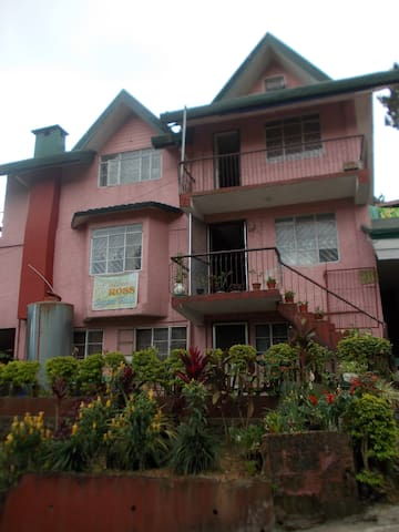 6 Bedroom House near Good Shepherd - Baguio City - Rumah