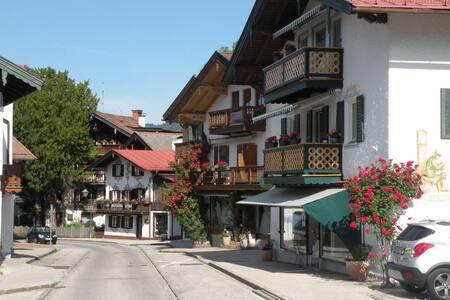 Ferienwohnung Rosenhof-Tegernsee EG