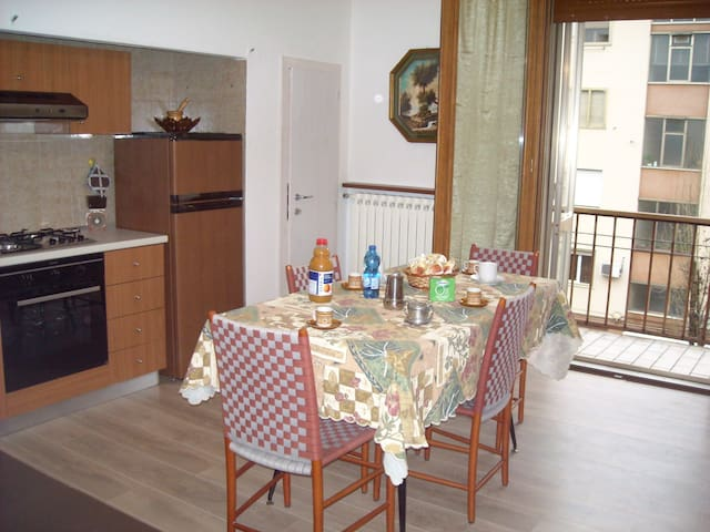 Lovely apartment near Venice with parking spot - Mestre - Apartament