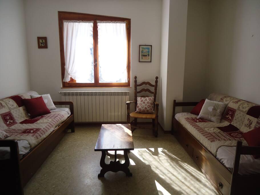 Appartamento n. 2 soggioerno