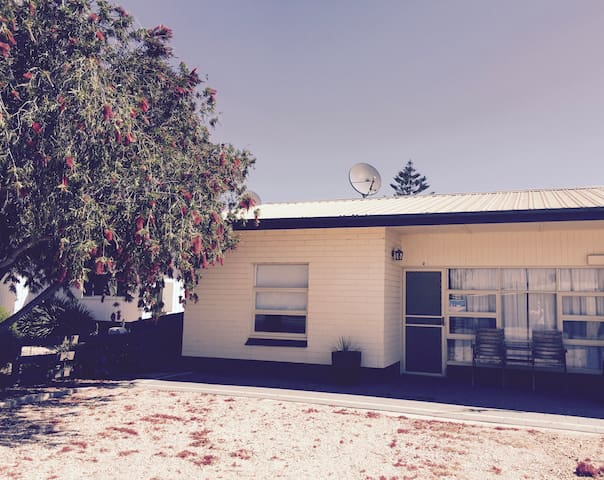 Streaky Bay Holiday Units - UNIT 2