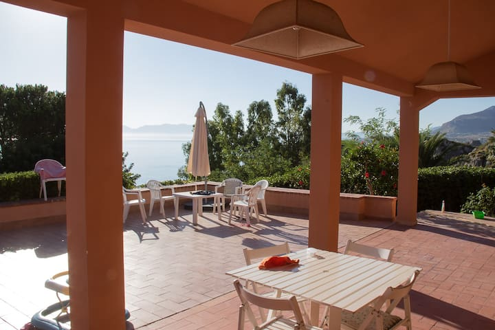 Villa Hibiscus Scopello!! Relax near the sea!