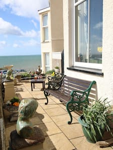 Large selfcatering  house sleeps 8 with sea views