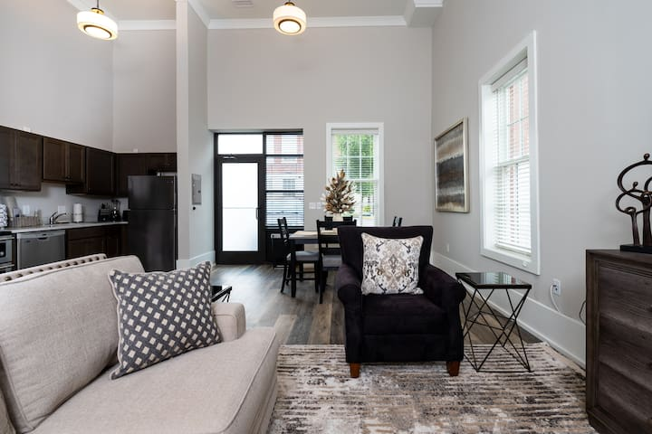 Lovingly restored 2BR/1 BA in historic building