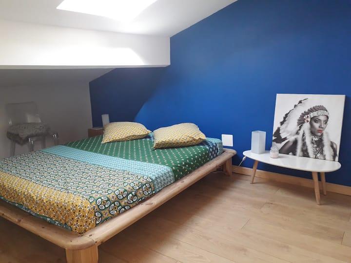 Chambre bleue lit 2 places