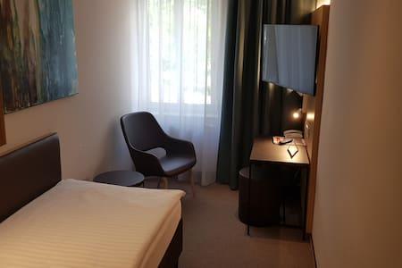 Hotel-Gasthof Graf (St. Poelten), Einzelzimmer mit kostenfreiem WLAN