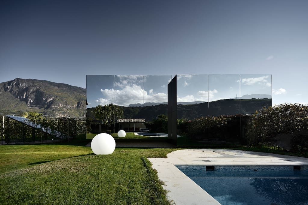 Mirror Houses back day with pool