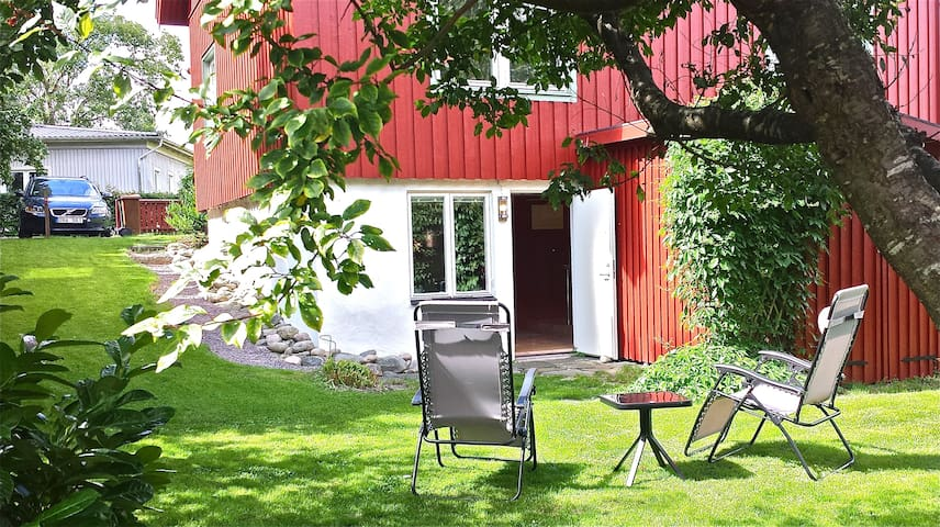 Cosy studio with free parking place - Gothenburg