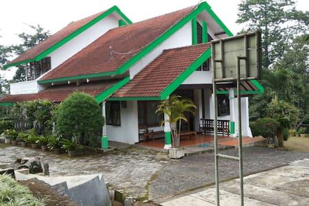 Rumah kebun Sastrohamidjojo (Lindam Restadhila) - Trawas