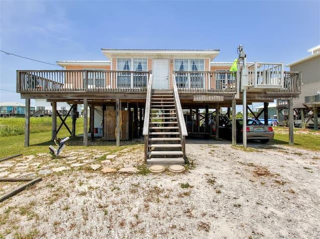 Lovely 3BR Dauphin Island Cottage w/ Deck & Gulf Views