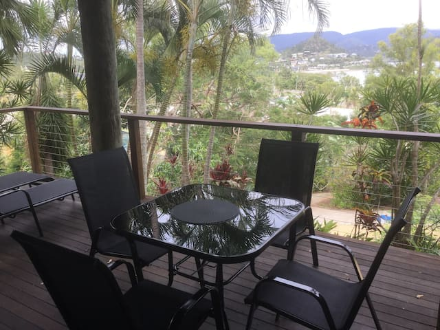 Spacious, secluded 2 bedroom unit