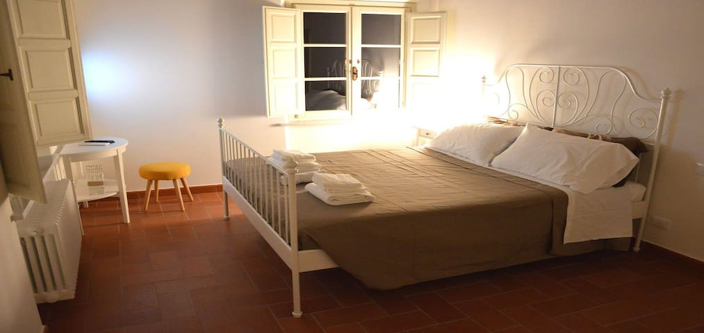 Dimora San Lazzaro Bed & Breakfast in Lucca - Lucca - Bed & Breakfast