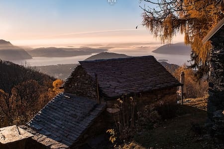 "Mountain hut ""Vrei"" - Lake Maggiore view"