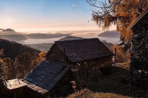 """Mountain hut """"Vrei"""" - Lake Maggiore view"""