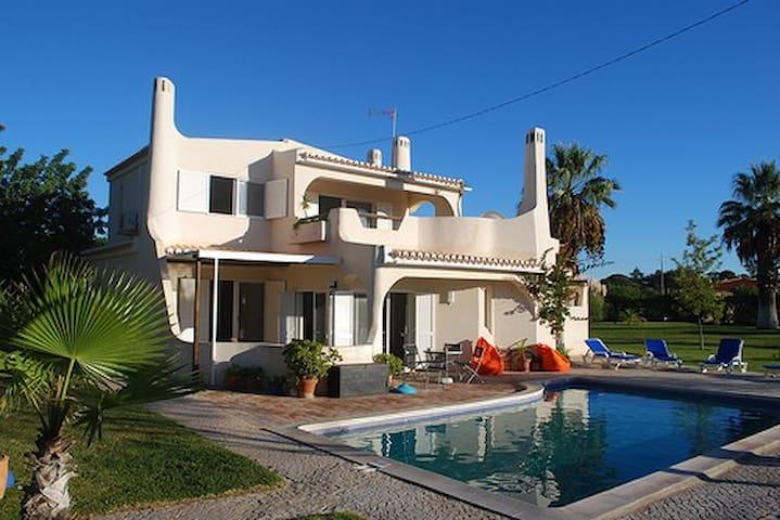 Villa 3 chambres avec piscine et jardin - Almancil - Villa