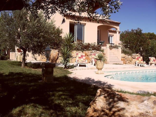 Villa with pool and garden on golf course Béziers - Béziers - Villa