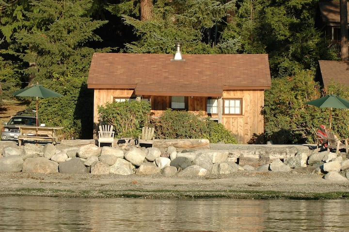 Beachfront Cabin - 2BR on prime west-facing beach