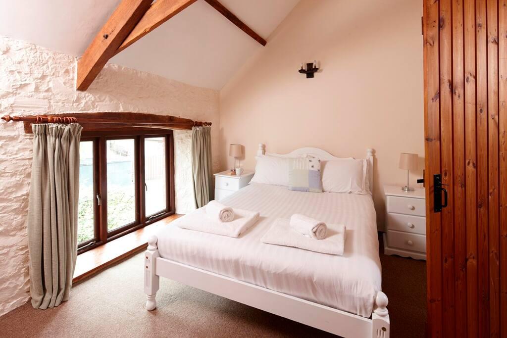 Beech Cottage - double bedroom