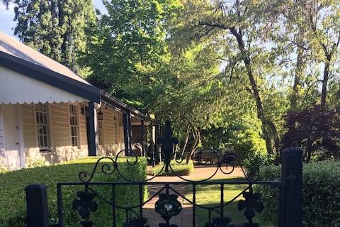 """The Birdsnest Cottage"" Berrima"