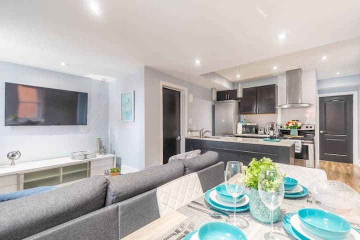 Newly Renovated - Upscale 1BR with King Bed - Little Italy!