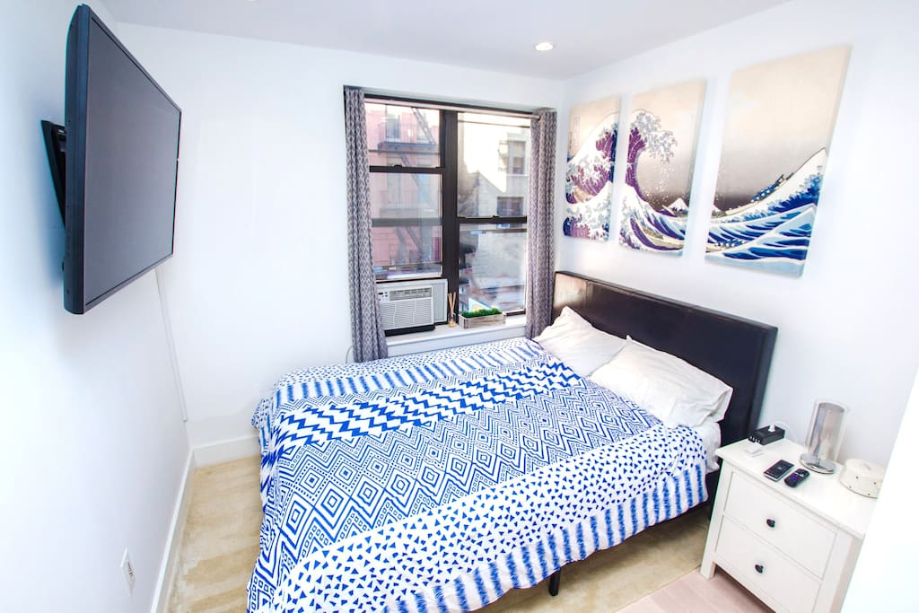 Bedroom #1  -Queen Sized Bed - Premium Tempurpedic Mattress & Pillows - Duvet, Cover Egyptian Cotton Sheets, & Pillowcases are Hypoallergenic - En suite closet with shelving & wooden hangers - Noise Conditioner for light sleepers - USB Outlets / Plugs for Electronics