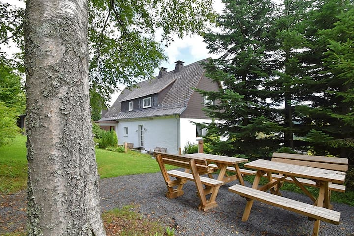 Large and bright holiday home in Neuastenberg with a large garden directly at the ski slope